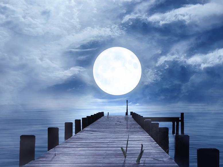 Risultati immagini per luna